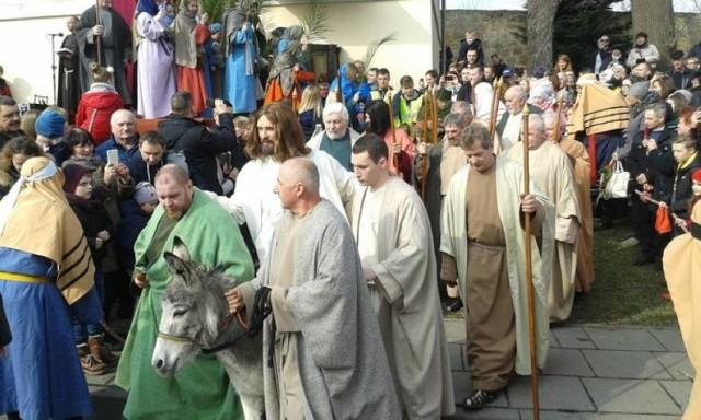 Obchody Niedzieli Palmowej rozpoczynają uroczystości Wielkiego Tygodnia w Kalwarii Zebrzydowskiej, na które co roku przyjeżdża tysiące wiernych