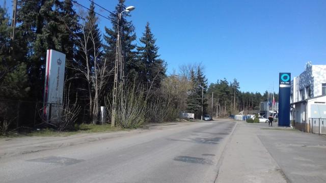 Na dwóch działkach przy ul. Świerkowej, po lewej stronie ma nadal być realizowane zbieranie i przetwarzanie odpadów