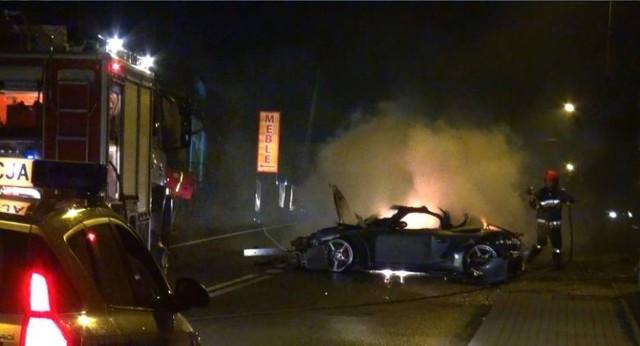 Pożar porsche w Mszanie Dolnej.