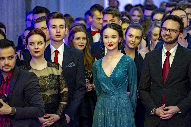 Maturzyci Z IX LO W Poznaniu Bawili Si Na Studniwce Gospodzie Familijnej Oto Zdjcia