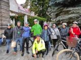 Europejski Dzień bez Samochodu w Legnicy. Urząd Miasta zorganizował Śniadanie Rowerowe, czyli bezpłatne śniadania dla rowerzystów [ZDJĘCIA]