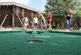 Inowrocław. W Solankach odbył się wakacyjny turniej mini golfa. Rywalizowali najmłodsi. Zobaczcie zdjęcia