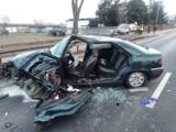 Wypadek w Rakoniewicach. Dwa samochody zderzyły się czołowo