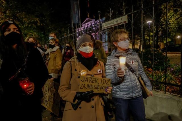 Strajk Kobiet w Trójmieście 3.11.2020 r. Demonstracja przed Radiem Gdańsk