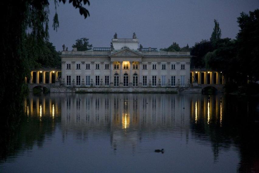 Warszawa Za Darmo Zwiedzanie Pałacu Na Wyspie W Blasku