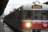 Gdańsk:Wypadek na kolei. Mężczyzna wszedł na dach pociągu. Został porażony prądem z sieci trakcyjnej