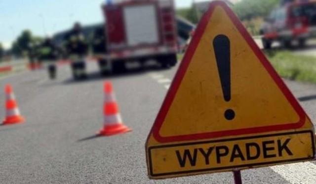Wypadek na ul. Głównej w Nakle Śląskim. 30 października 2020 r. potrącona została 75-letnia kobieta