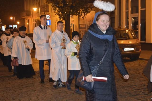 Wieczorem przed Dniem Wszystkich Świętych rozpoczęła się w kościele św. Jakuba Skierniewicka Noc Świętych. Wzięło w niej udział wielu skierniewiczan. Później uczestnicy wydarzenia przeszli do kościoła św. Stanisława.
