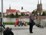 Seniorzy z Wrocławia kręcą film o... seniorach. Byliśmy na planie zdjęciowym. Zobaczcie zdjęcia! (DATA PREMIERY)