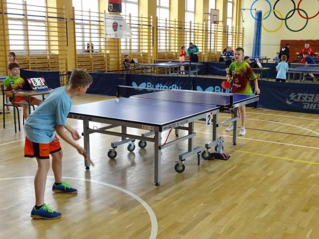 W Chełmnie żacy rozegrali indywidualne mistrzostwa województwa w tenisie stołowym