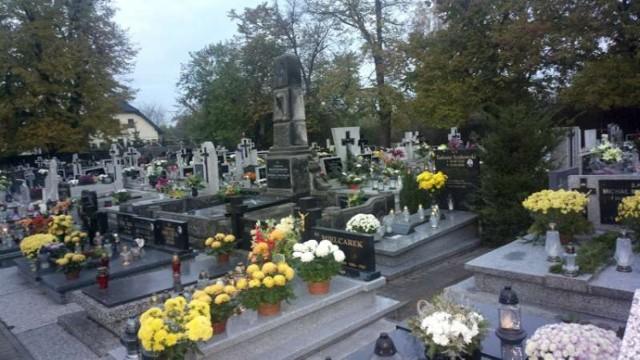 Wszystkich Świętych. Msze na pleszewskich cmentarzach