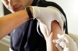 Odmówisz przyjęcia szczepionki na grypę w pracy? Pracodawca może Cię zwolnić!