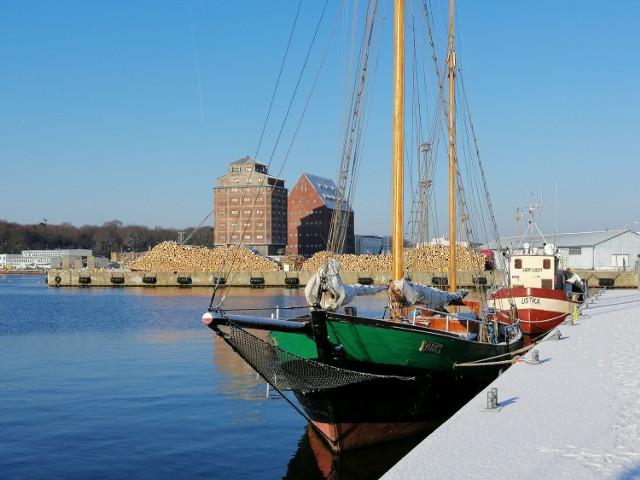 Widok z Portu Jachtowego na część handlową