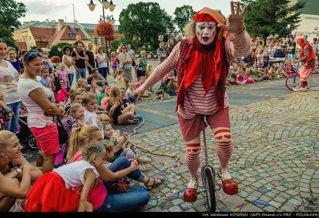 Tegoroczny kwidzyński festiwal teatrów ulicznych rozpocznie się od dwóch spektakli z udziałem klaunów
