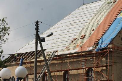 Prace remontowe dachu kościoła poewangelickiego za pół miliona [ZDJĘCIA]