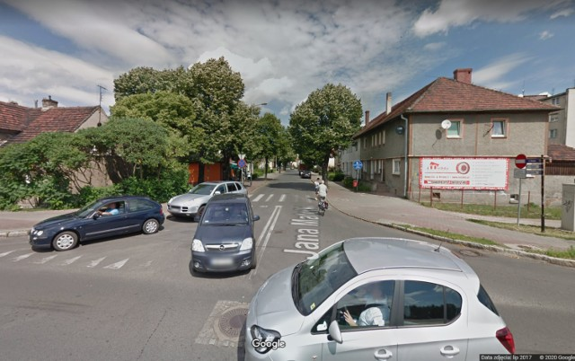 Ulica Matejki w Nowej Soli na odcinku od ul. Wojska Polskiego jest jednokierunkowa.