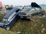 Wypadek w miejscowości Florentyna pod Kaliszem. Cztery osoby ranne. ZDJĘCIA