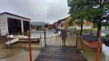 Podtopione gospodarstwa w gminie Szadek po nocnych ulewach ZDJĘCIA