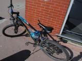 Rumia. 15-letni rowerzysta potrącił pieszą na chodniku