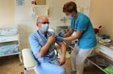 Krynica - Zdrój/ Limanowa. Krynicki szpital rozpoczyna szczepienia w poniedziałek 4 stycznia. W limanowskim szpitalu już szczepią [ZDJĘCIA]