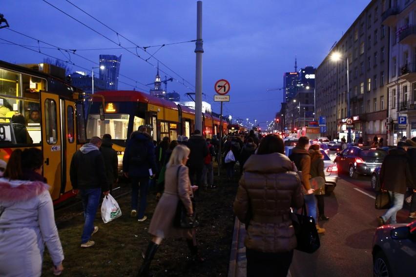 Ogromne korki w centrum. Strajk kobiet sparaliżował Warszawę