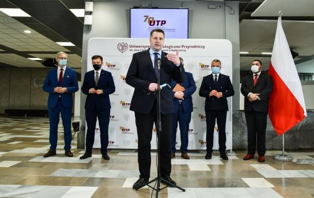 W czwartek (27 maja) minister Przemysław Czarnek gościł na UTP. Głównym tematem wizyty była zmiana nazwy uczelni na Politechnikę Bydgoską im. Jana i Jędrzeja Śniadeckich.
