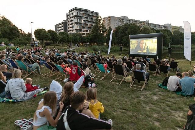 Kino plenerowe nad Balatonem. W te wakacje mieszkańcy Bydgoszczy mają okazję za darmo obejrzeć najróżniejsze europejskie i amerykańskie produkcje kinowe
