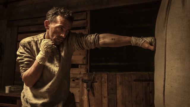 """""""Mistrz"""" opowiada o polskim bokserze Tadeuszu """"Teddy'm"""" Pietrzykowskim, który walczył z niemieckim obozid Auschwitz-Birkenau"""