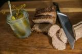Co jemy? Grzechy producentów: za mało mięsa w mięsie i tradycji w tradycji