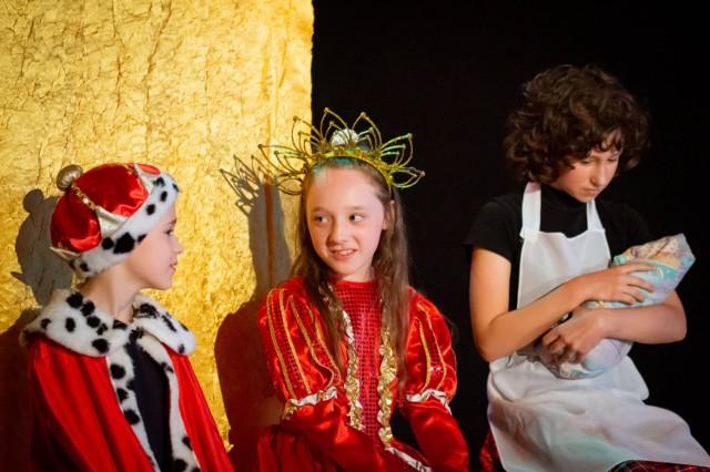 """""""Zabawa w Śpiącą Królewnę"""" została wystawiona w Młodzieżowym Domu Kultury w Koninie"""