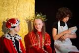 Konin. Bawili się w Śpiącą Królewnę. Grupa teatralna wystawiła przedstawienie w Młodzieżowym Domu Kultury