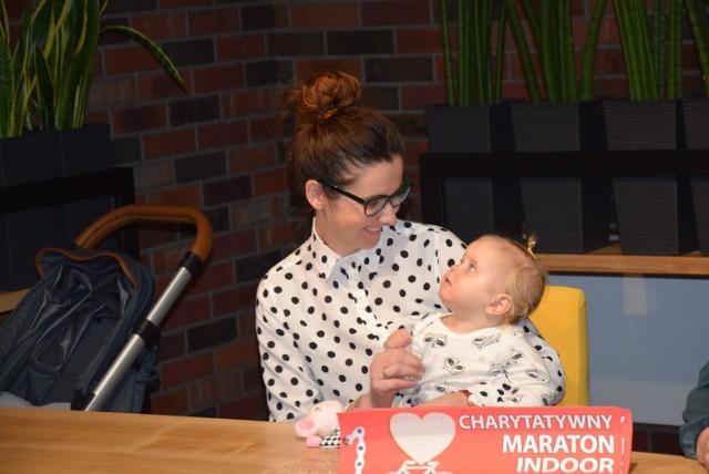 Magdalena Rybska ze swoją córeczką - Różą serdecznie dziękuje wszystkim za wsparcie