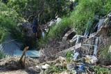 Dzikie wysypiska śmieci są ciągle problemem. W Rożnowie w końcu jedno zlikwidowano
