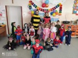 Bal karnawałowy w Szkole Podstawowej w Rudzie. Dzieci bawiły się wyśmienicie ZDJĘCIA, FILMIKI