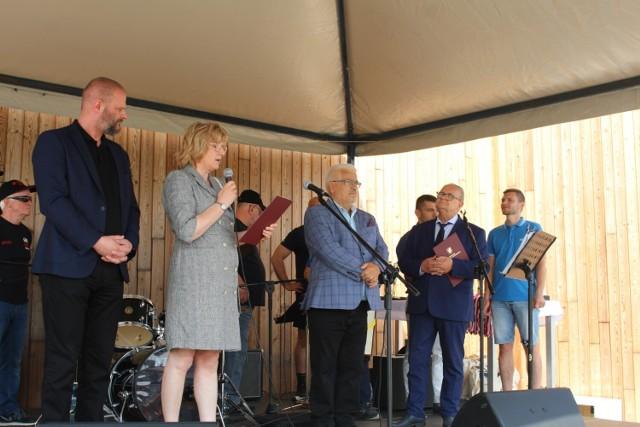 Laudację na część  laureata wygłosiła  Barbara Bałka, a nagrodę i okolicznościowy dyplom  Marszałka Mieczysław Struka wręczył członek Zarządu  Województwa Pomorskiego Józef Sarnowski