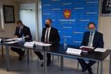 Konferencja władz miasta w sprawie oświadczenia klubu Beniaminek 03