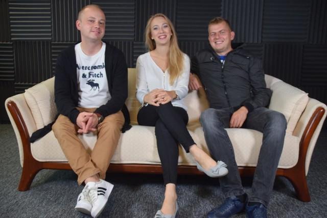 Białostoczanie: Łukasz Dąbrowski, Paulina Wiśniewolska, Bartłomiej Kowalski (od lewej) organizują festyn charytatywny dla pogorzelcow w Topczewie.
