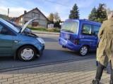 Kolizja w Lędzinach pod Opolem. Na drodze krajowej nr 46 19-latka kierująca fordem uderzyła w tył citroena