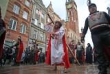 Od lat w Wielki Piątek ulicami Gdańska przechodziła Droga Krzyżowa. Jak wyglądała? Zobaczcie archiwalne zdjęcia