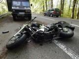 Śmiertelny wypadek na trasie Słupsk - Ustka. Czołowe zderzenie motocyklisty i opla