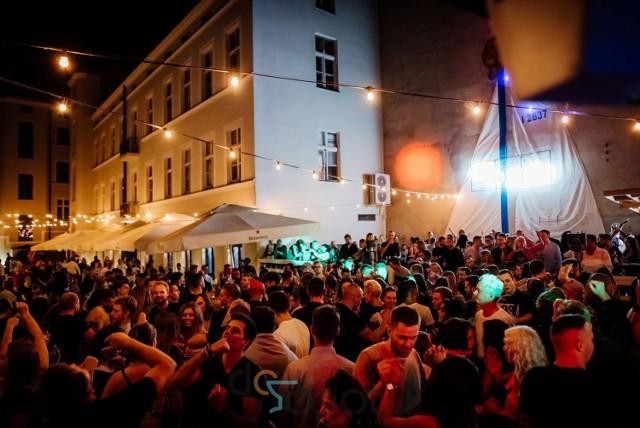 Hałas wytwarzany podczas imprez był nie do zniesienia przez sąsiednich mieszkańców, dlatego klub musi zakończyć działalność.