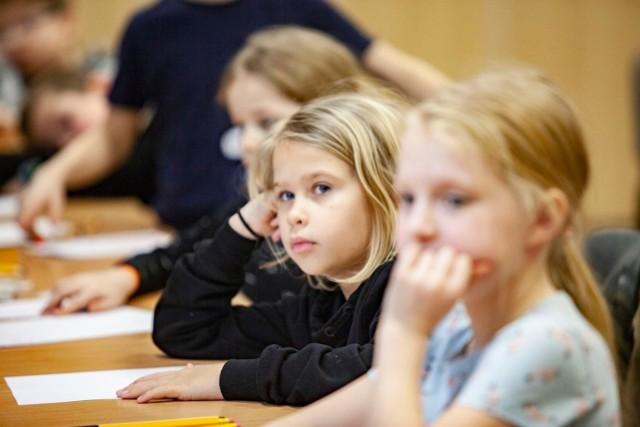 W czerwcu mogą zostać uruchomione zajęcia indywidualne oraz te, które organizowane są w małych grupach.