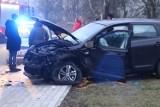 Wypadek w Bartoszowie, cztery osoby ranne! Droga jest nieprzejezdna