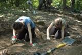 Archeolodzy wykopują spod ziemi muszyńskie skarby [ZDJĘCIA]