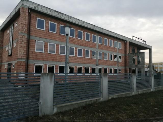 Powiat trzy lata temu kupił biurowiec przy ul. Ostrogskich. Budynek w tym roku ma zostać zaadaptowany pod potrzeby wydziału komunikacji i transportu