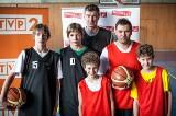 Adam Wójcik z synami w serialu Rodzinka.pl (ZDJĘCIA, FILM)
