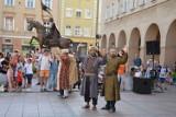 Open Opole. W Opolu trwa Festiwal Zdarzeń Artystycznych. Za nami pokaz cyrkowy i improwizowany teatr