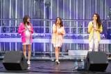 Dziewczęta z DSW zaśpiewały na dziedzińcu Wieży Ratuszowej w Świdnicy. Zdjęcia