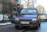 Kiedyś mercedesa s-klasy zazdrościła mu połowa miasta, dziś jeździ taksówką tico i pomaga ludziom. Kazimierz Mróz, czyli 007 z Bytomia