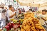 Mnóstwo pyszności na Starym Rynku - rozpoczął się Ogólnopolski Festiwal Dobrego Smaku [ZDJĘCIA]